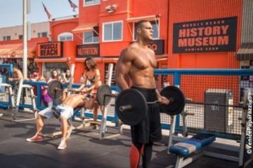 Muscle-Beach-11-X3-552x368-4-552x368